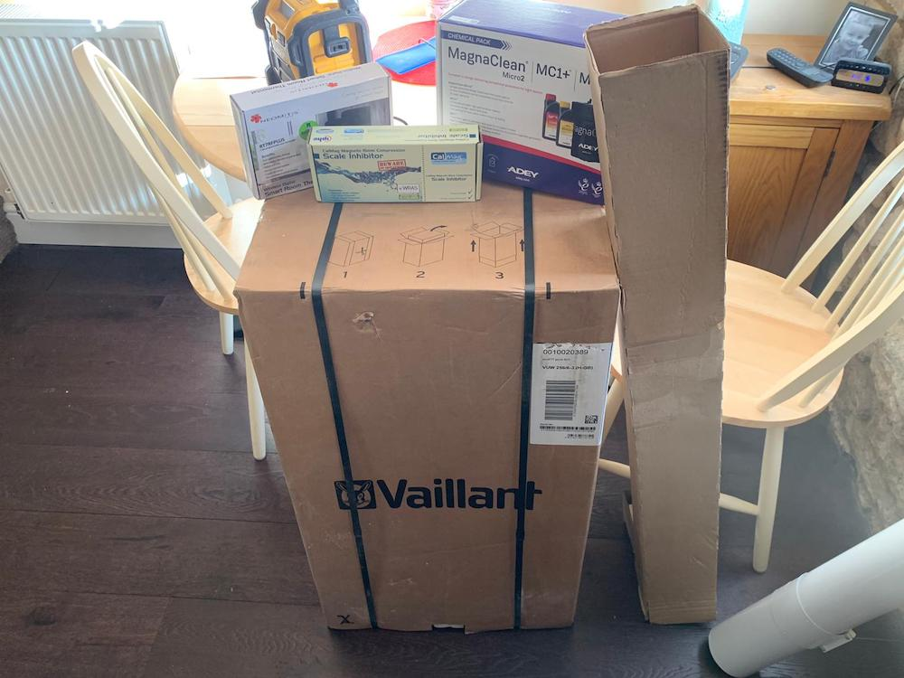 Vaillant Ecofit Pure825 in packaging